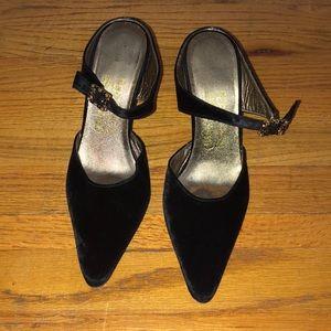 NWOB ferragamo black velvet evening heels